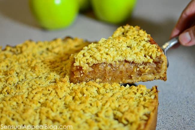 Szarlotka or Polish Apple Pie / sensualappealblog.com