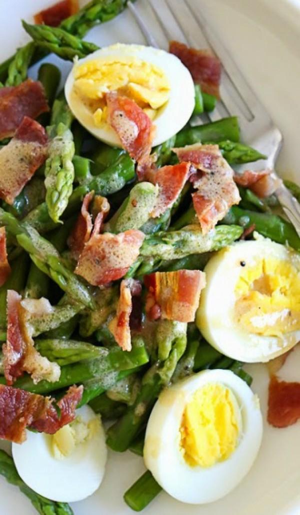 Get the recipe Asparagus Egg and Bacon Salad with Dijon Vinaigrette @recipes_to_go