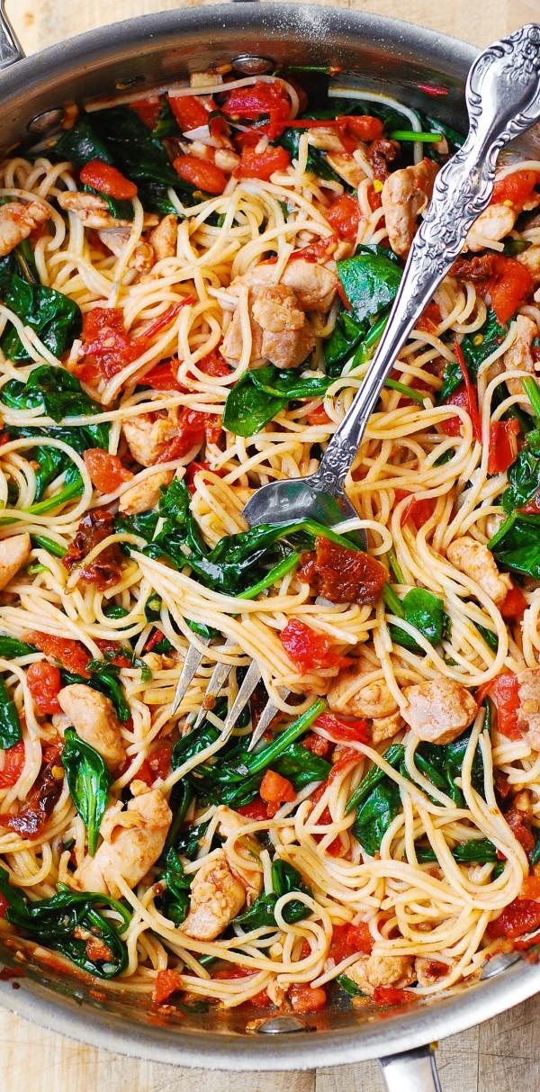Get the recipe Tomato Spinach Chicken Spaghetti @recipes_to_go