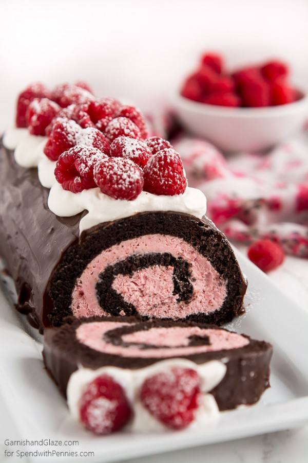 Get the recipe Raspberry Chocolate Swiss Roll @recipes_to_go