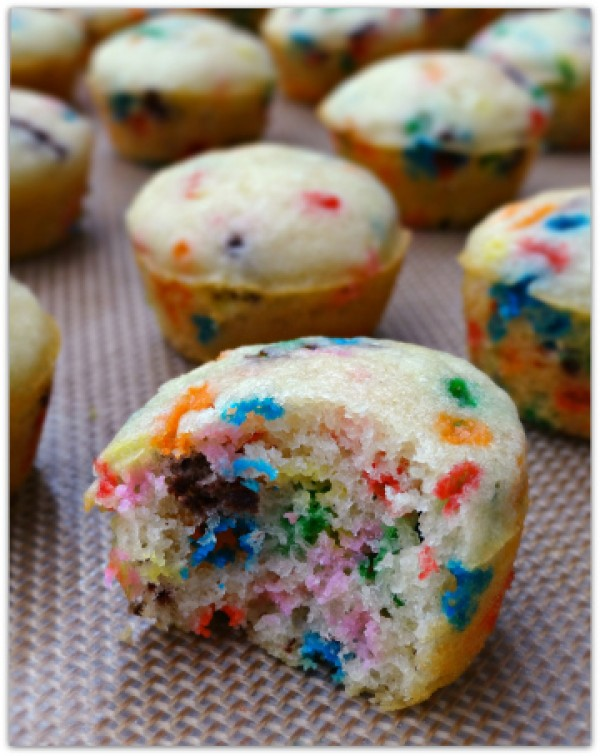Get the recipe Funfetti Mini Pancake Muffins @recipes_to_go