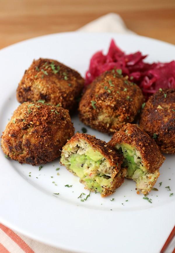 Get the recipe Avocado Tuna Melt Bites @recipes_to_go