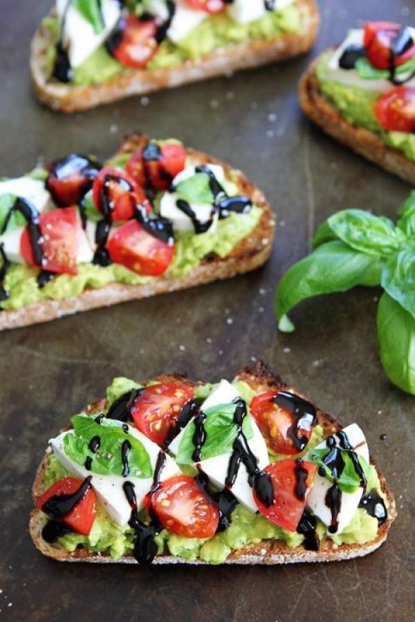 Get the recipe Caprese Avocado Toast @recipes_to_go