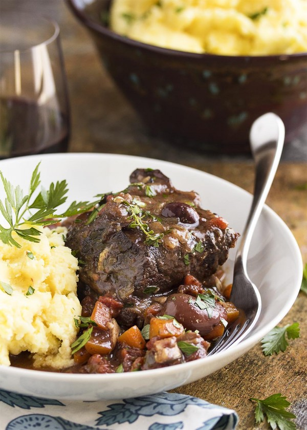 Get the recipe French Short Ribs Braised In Red Wine @recipes_to_go