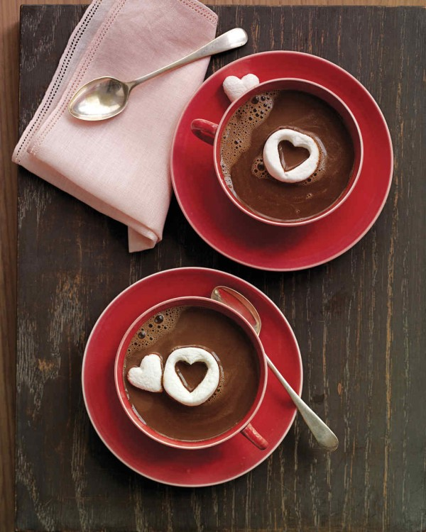 Get the recipe Hot Chocolate with Marshmallow Hearts @recipes_to_go