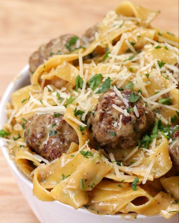 Get the recipe Swedish Meatball Pasta @recipes_to_go