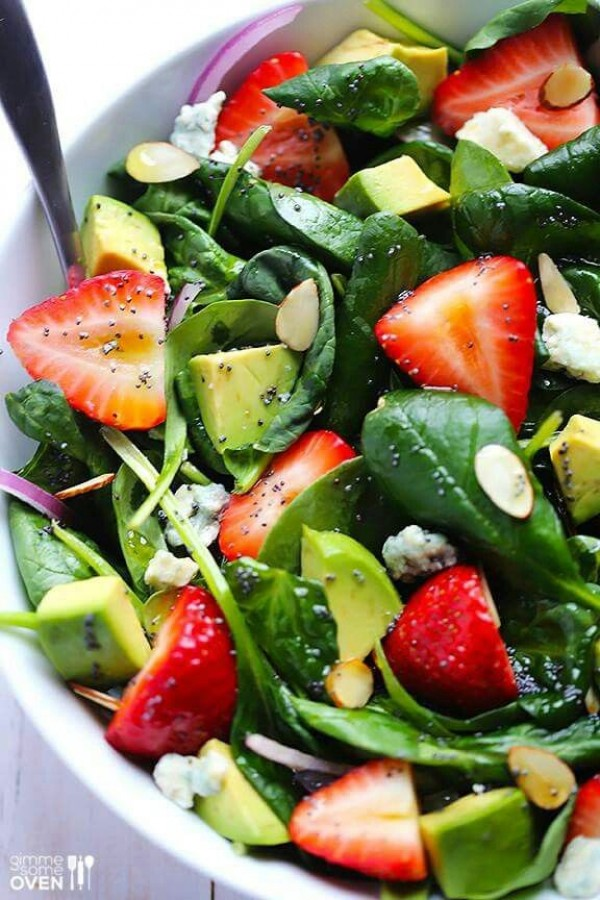 Get the recipe Avocado Strawberry Spinach Salad @recipes_to_go