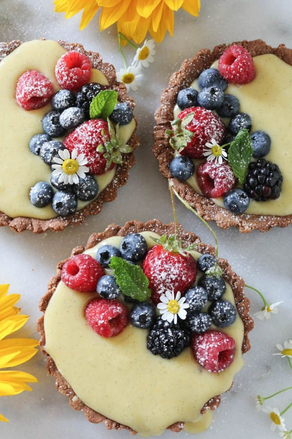 Get the recipe Mixed Berry Vanilla Bean Cream Tarts @recipes_to_go