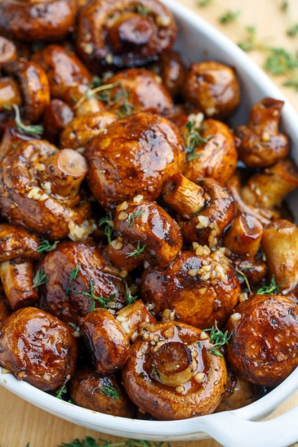 50 Most Delicious and Healthy Vegetarian Recipes - Check out this recipe for balsamic soy roasted mushrooms. Yummy! #RecipeIdeas @recipes_to_go