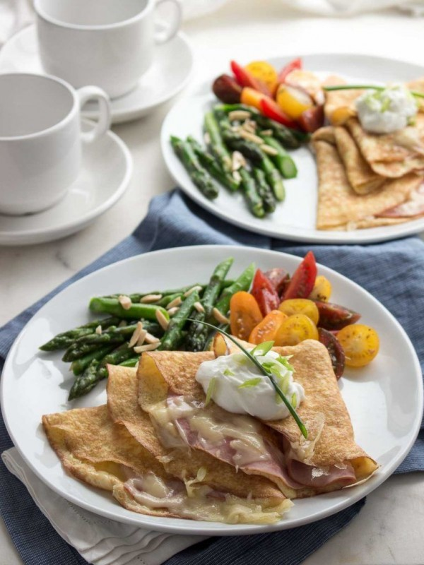 Check out this recipe for breakfast crepes with ham and cheese. Yummy! #RecipeIdeas @recipes_to_go