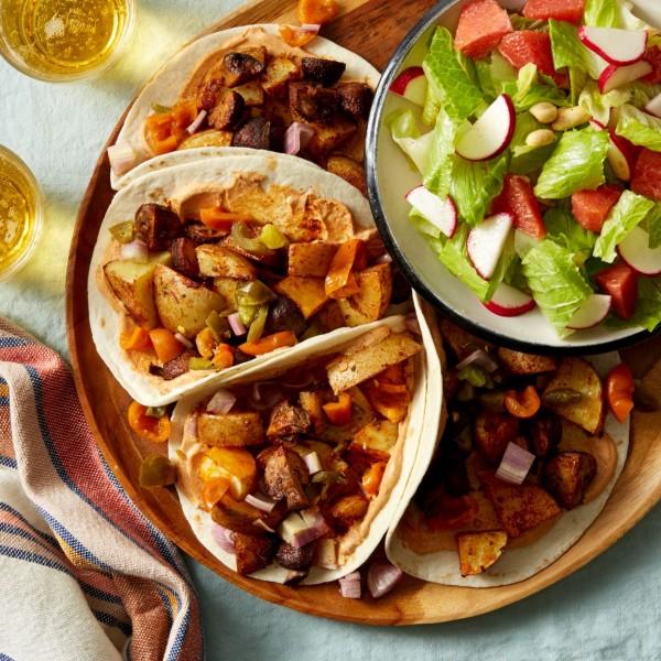 50 Most Delicious and Healthy Vegetarian Recipes - Check out this recipe for mushroom potato tacos. Yummy! #RecipeIdeas @recipes_to_go
