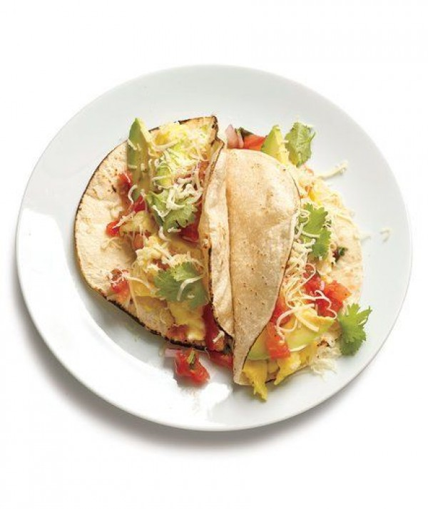 Check out this recipe for breakfast scrambled egg tacos. Yummy! #RecipeIdeas @recipes_to_go