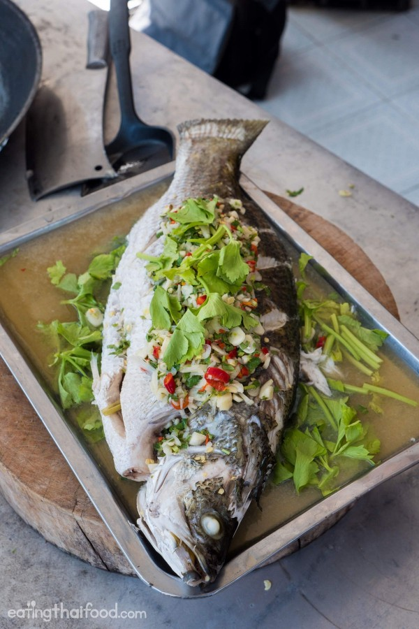 Check out this recipe for steamed fish with lime and garlic. Yummy! #RecipeIdeas @recipes_to_go