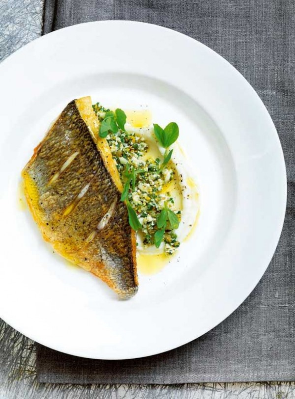Check out this recipe for pan fried fish with cauliflower. Yummy! #RecipeIdeas @recipes_to_go